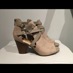 Libby Edelman open toe ankle strap booties size 10